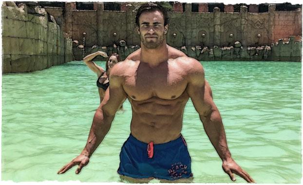 Калум Ван Могер в бассейне