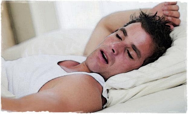 Спортсмен крепко спит