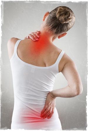 Боль в спине девушки