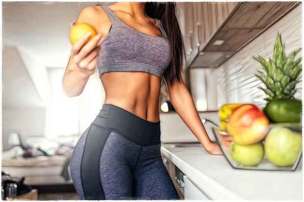 Девушка на кухне фитнес диета