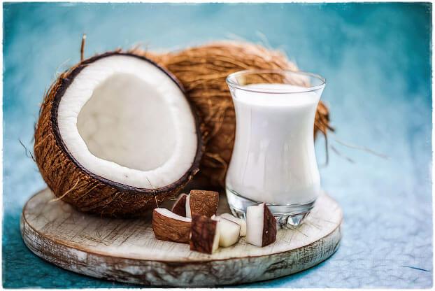 Кокосовое молоко и кокосы