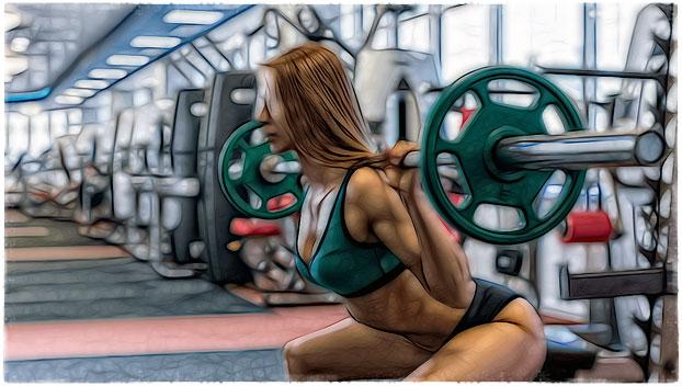 Красивая девушка тренируется